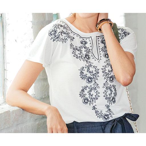 フレンチスリーブ刺繍Tシャツ