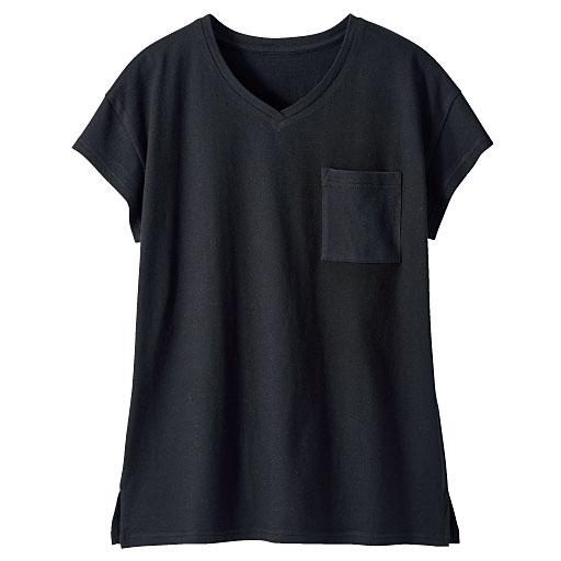 Vネックポケット付きTシャツ