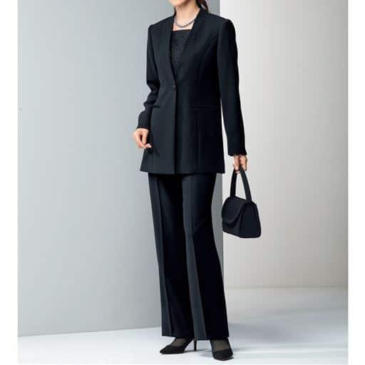 【レディース】 ブラックフォーマルスーツ(ジャケット+パンツ)(リバーシブル胸当て付き)(撥水) - セシール