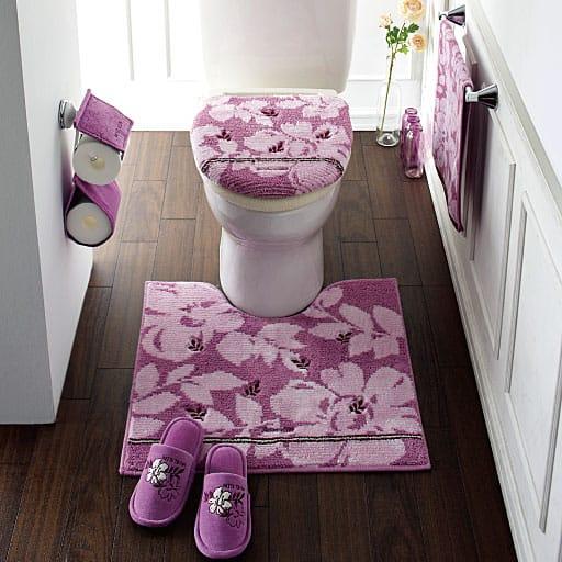 【ミッシェル クラン】トイレ小物(ペーパーホルダーカバー・スリッパ)の写真