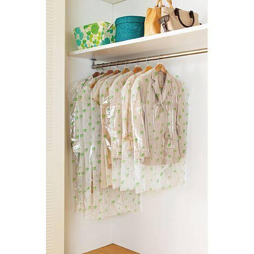 使う分だけ取り出しやすいティッシュ式洋服カバー(衣類カバー)の写真