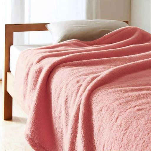 「くるまった時の気持ちよさ」ふわふわマイクロ毛布 – セシール