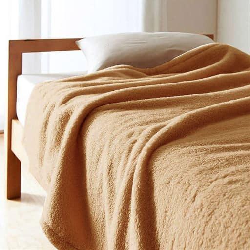 「くるまった時の気持ちよさ」ふわふわマイクロ2枚合わせ毛布 - セシール