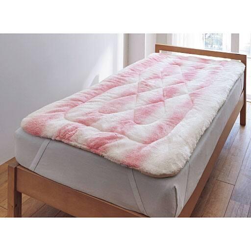 毛布生地で作った布団のようなボリュームパッドシーツの写真
