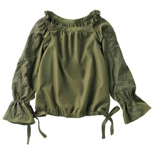 【レディース】 袖刺繍ブラウスの通販