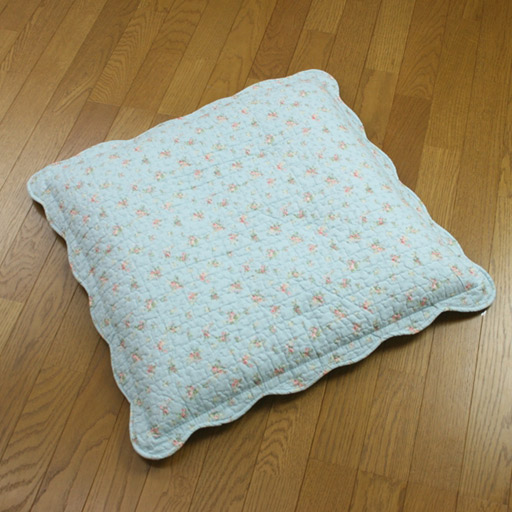 キルティング座布団カバー 小花柄カントリー調 - セシール