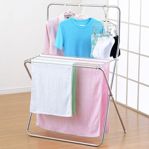 洗濯カゴが置けるステンレステーブルハンガー – セシール