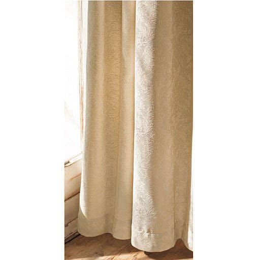 ジャカード織りカーテン(レース柄)と題した写真