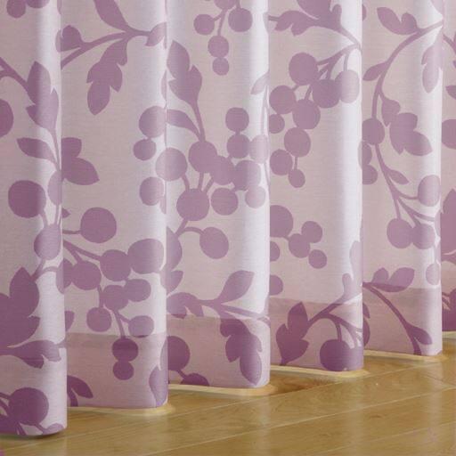 〔形状記憶付き〕木の実柄プリントカーテンの商品画像