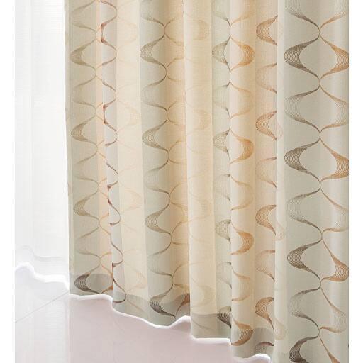 〔形状記憶付き〕ジャカード織りカーテン(幾何柄)の写真