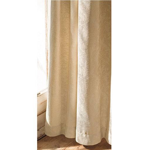 〔形状記憶付き〕ジャカード織りカーテン(レース柄)と題した写真