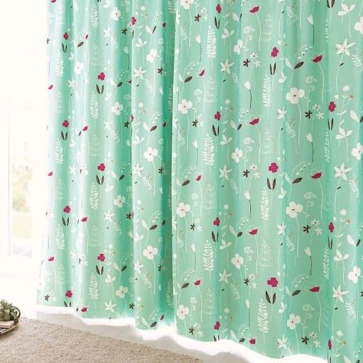 <セシール> 遮熱・安眠1級遮光裏地付きプリントカーテン <サイズ>幅150x丈250(2枚組)、幅100x丈150(2枚組)、幅200x丈200(1枚物)、幅100x丈178(2枚組)、幅10 <カラー>グリーン