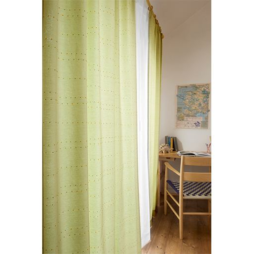 コットン薫るナチュラルカーテン(ポンポン)と題した写真