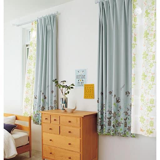 北欧調裾絵羽柄1級遮光プリントカーテンの写真