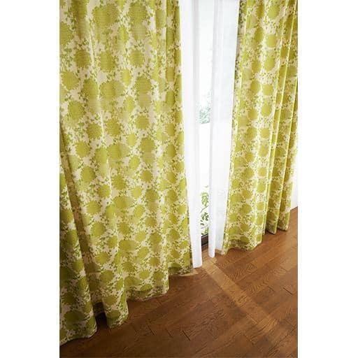 ナチュラルフラワー柄プリントカーテンと題した写真