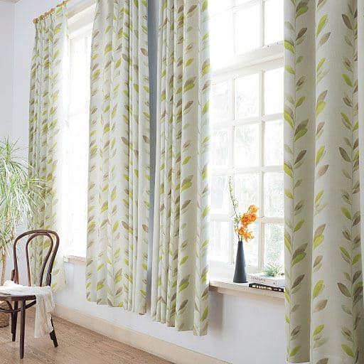 2級遮光プリントカーテン(もようの森)の商品画像