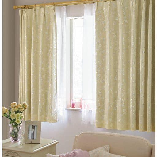 遮熱保温・1級遮光裏地付きジャカード織カーテンの写真