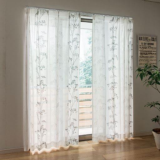 細めのリーフ柄が上品に映えるボイルカーテンの商品画像