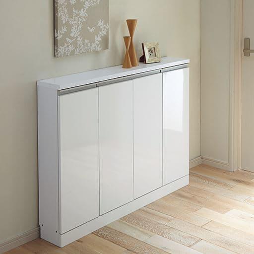 1cm単位で棚板の高さを変える薄型鏡面キャビネットの商品画像