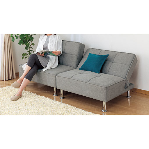 組み換え自在なソファベッドの写真
