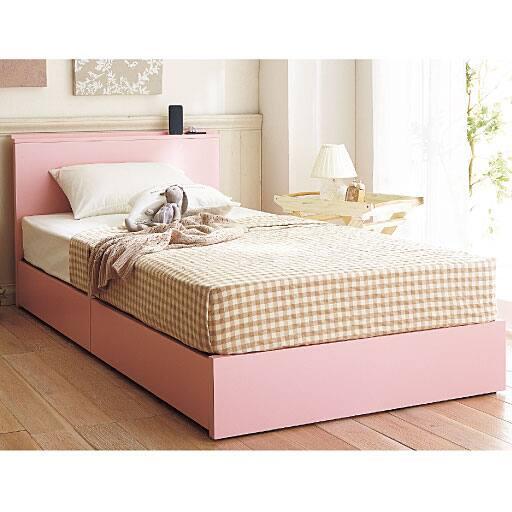 棚付きシンプル収納ベッドの写真