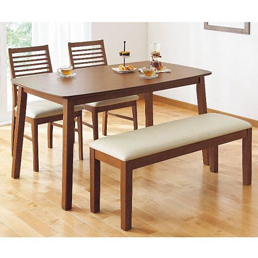 ミドルハイバックチェア・テーブルの写真