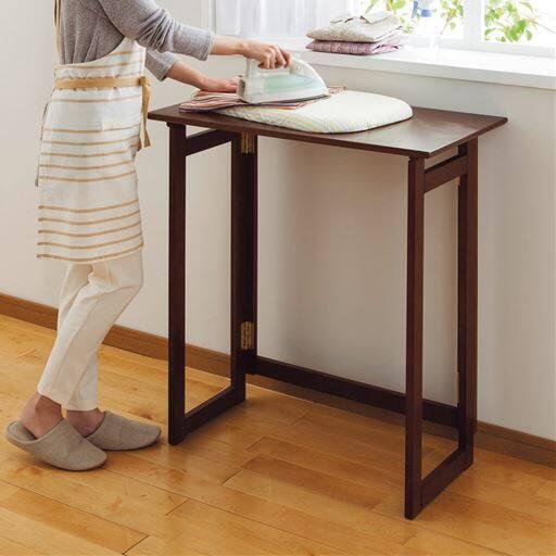 折りたたみ式フリーテーブルの写真