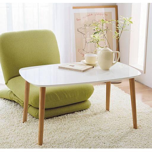 トールテーブルの写真