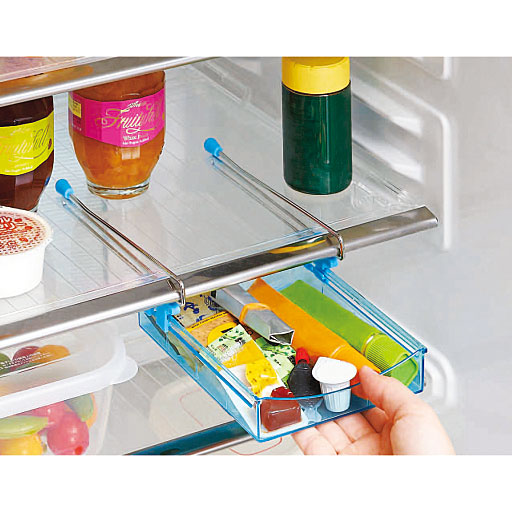 冷蔵庫の棚下に!スライド収納