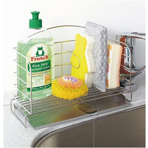 斜めトレー付き洗剤・スポンジラックの写真