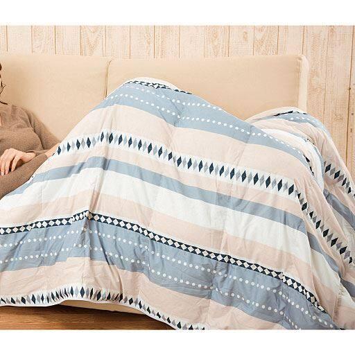 ダウン入りふわふわ寝袋クッション – セシール