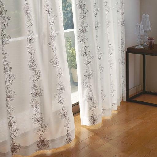 花柄刺しゅう入りボイルカーテンの商品画像
