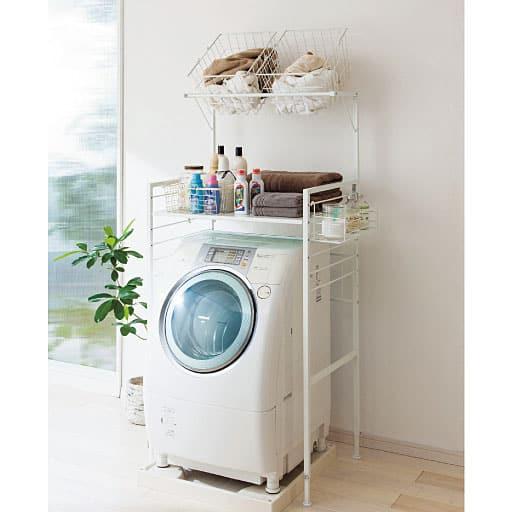 洗濯機の上を無駄なく使う奥深ランドリー収納ラックの写真