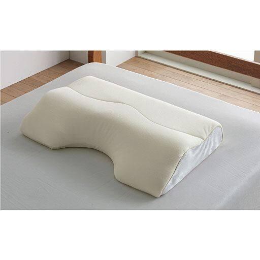 肩までふんわりPuFuRa枕 – セシール
