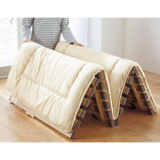 桐天然木すのこベッド(四つ折れ式)の写真