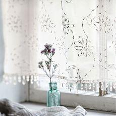 ボイルカフェカーテン(淡く金色に光るトルコ刺繍)