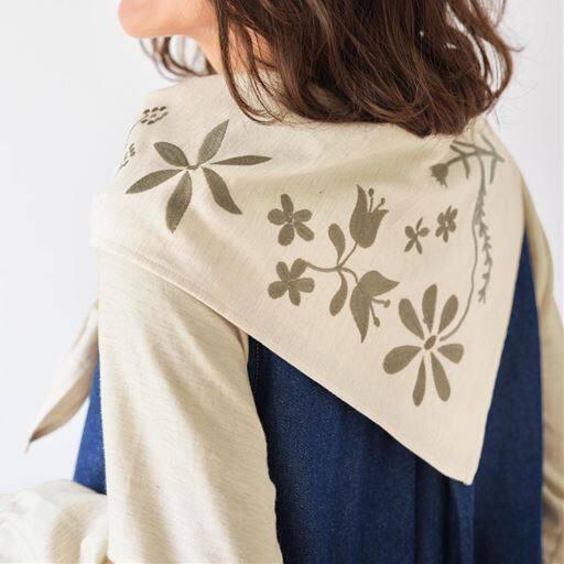【ぽっちゃりさんサイズ】スカーフ付きチュニックブラウス(綿100%)