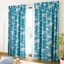 ブルー<br>爽やかな青空模様のプリントカーテンです。