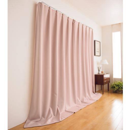 窓を包む保温・遮光カーテン