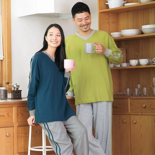 定番人気の綿100%VネックTタイプパジャマ(男女兼用)