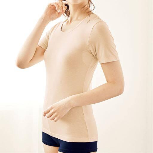 スマートヒート® 汗取りパッド付き3分袖インナー(定番タイプ 衿ぐり狭め)