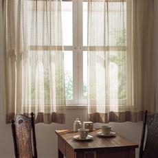 〔形状記憶付き〕お部屋をワンランク上げるざっくり編みミラーレースカーテン