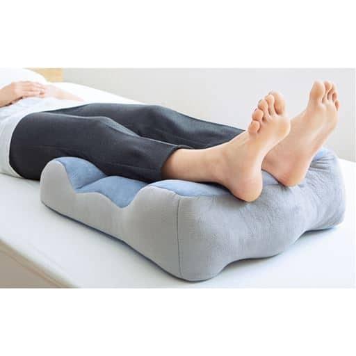 のびのび腰痛対策脚クッション
