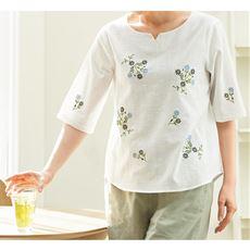 フロント花柄刺しゅうブラウス/綿100% キーネック