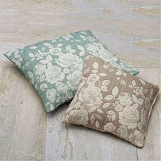 膨れ織クッションカバー同色2枚組(プランタン) 立体的なバラ柄をジャカードで表現 お部屋を素敵な雰囲気に