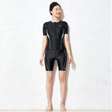 FILA フィットネス水着/二の腕が隠せる半袖タイプ めくれ防止付き