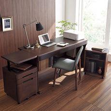 【完成品(D・E)※】天然木の樺(カバ)材を使用した、本格派の書斎デスクです。落ち着いた風合いでお部屋に馴染み、引き出しの前面を滑らかなカーブで仕上げてあり高級感があります。袖机やオープンラックと合わせて自分仕様の書斎スペースが作れます。