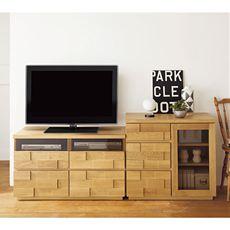 【完成品】天然木オーク材(ナラ)を贅沢に使用したレンガ調デザインがおしゃれなシリーズです。テレビボードのほかにミドルサイズのキャビネットと統一されたデザインでお部屋をコーディネートできます。フルスライドレールや箱組引出しなど細部にもこだわった仕様です。
