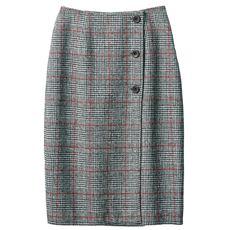 ボタン使いタイトスカート