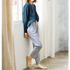 休日の朝は着替えずに、まったり♪前後差シルエットが今っぽい、カジュアルでおしゃれなルームウェア。綿100%ダンガリー素材のらくちんストライプ柄パンツとセットで